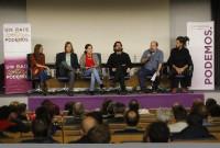 Representantes del Congresy del Senado explicando la Ley 25 en León